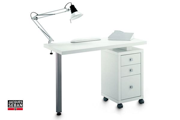 table manucurie mat riel de coiffure pour professionnels. Black Bedroom Furniture Sets. Home Design Ideas