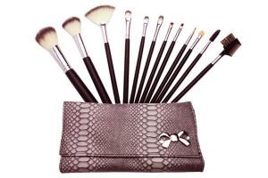 - Pinceaux de maquillage professionnel 12pcs
